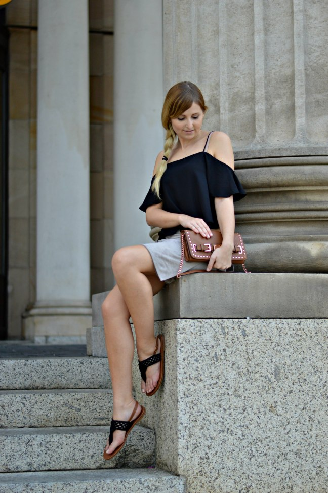 Maracujabluete-Fashionblog-Modeblogger-Mainz-Frankfurt-Wiesbaden-Outfit-off-shoulder-wildlederrock-3