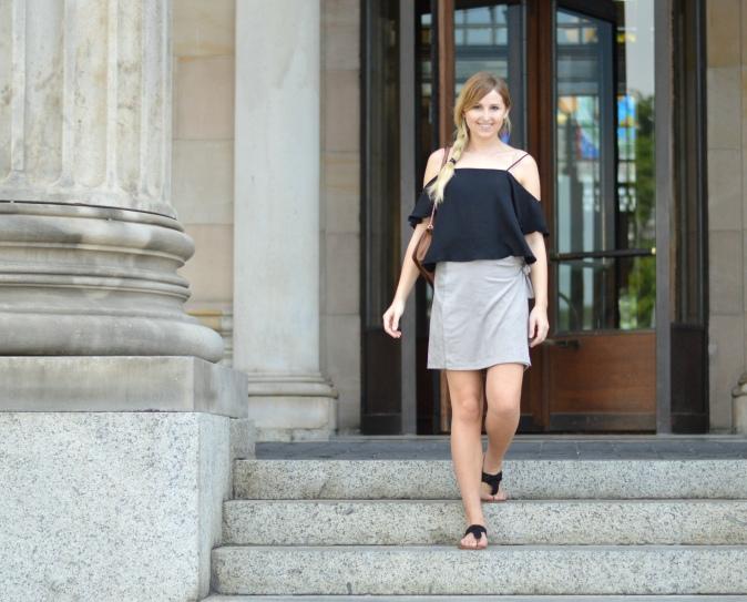 Maracujabluete-Fashionblog-Modeblogger-Mainz-Frankfurt-Wiesbaden-Outfit-off-shoulder-wildlederrock-5