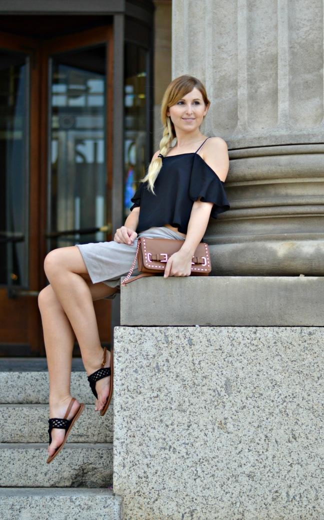 Maracujabluete-Fashionblog-Modeblogger-Mainz-Frankfurt-Wiesbaden-Outfit-off-shoulder-wildlederrock