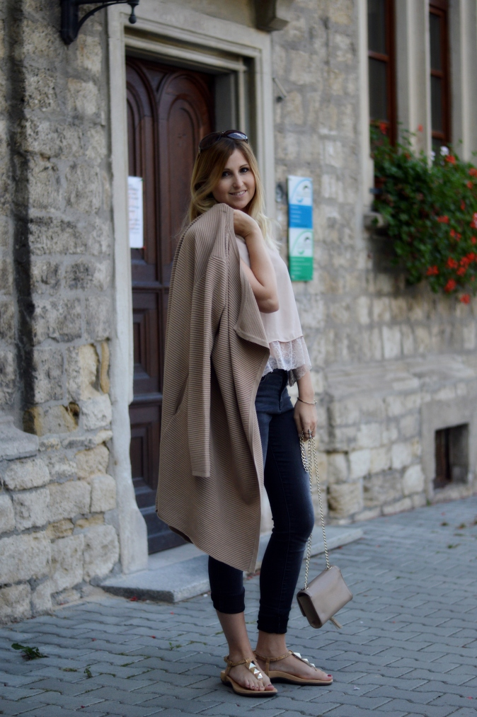 Maracujabuete-Fashionblog-Modeblog-Mainz-Frankfurt-Streetstyle-Cardigan-Sandalen-Sommeroutfit-Croptop-9