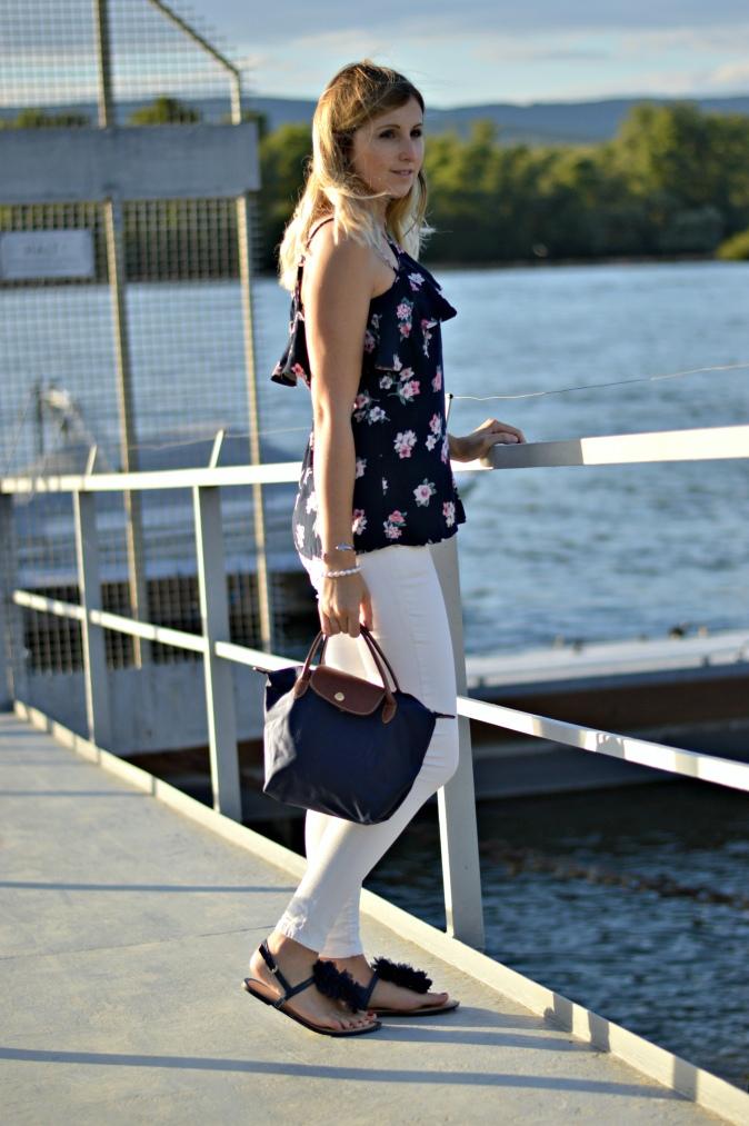 Maracujabuete-Fashionblog-Modeblog-Mainz-Frankfurt-Streetstyle-Sommeroutfit-Blumenprint-volanttop-hollister-10