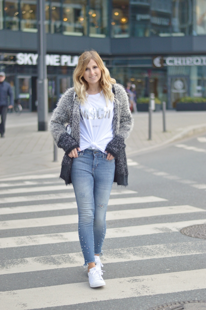 Maracujabluete-Fashionblog-Modeblogger-Mainz-Frankfurt-Outfit-streetstyle-herbst-sneakers-silber-cardigan-21
