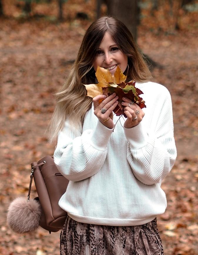 Maracujabluete-Fashionblog-Frankfurt-Herbst-Outfit-Knitwear-Strickpulli-Rucksack-